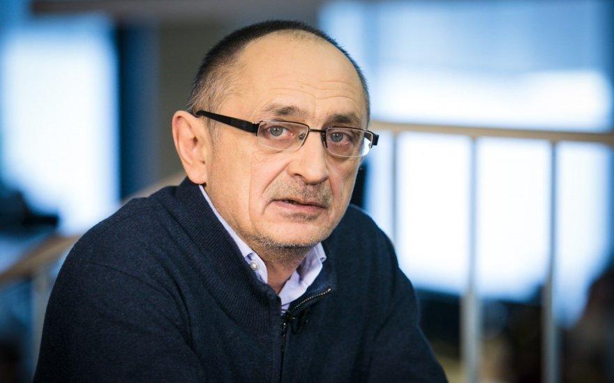 Политолог Александр Морозов: «Не верьте тем, кто говорит, что правительство ушло в отставку из-за недовольства россиян»